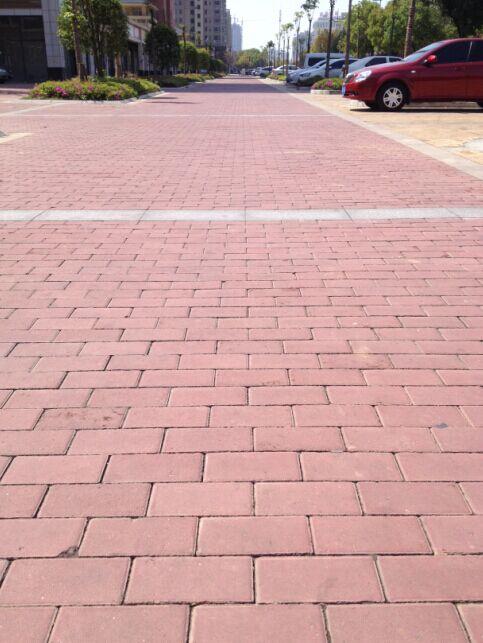 马鞍山汇成上东路面砖工程